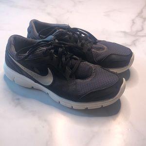 Nike Flex Experience Run Size 10